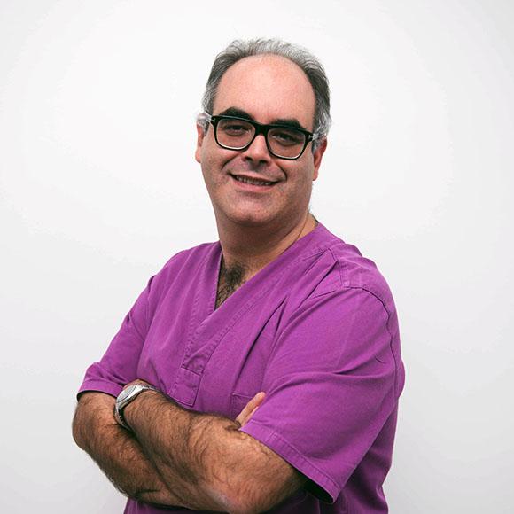 Dr. Vitor Oliveira